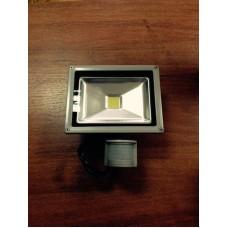 Прожектор c сенсором движения,LogicPower (20W/6000К/90LM)